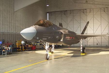 اولین پیش نمونه اف-35
