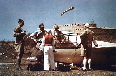 یک عکس رنگی نادر از هانا رایتش- لیبی 1939