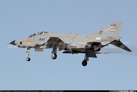 فانتوم شناسایی RF-4 نیروی هوایی با رنگ آمیزی جدید